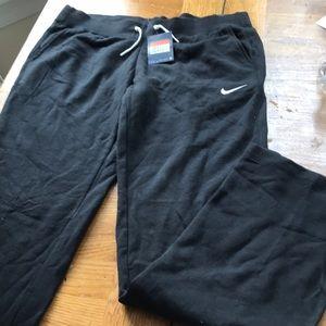 Nike women's black Training Pants Cotton L Bin 11